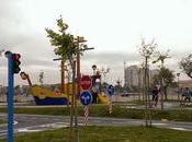 Campello niños: parque infantil tráfico. Aprender educación vial jugando