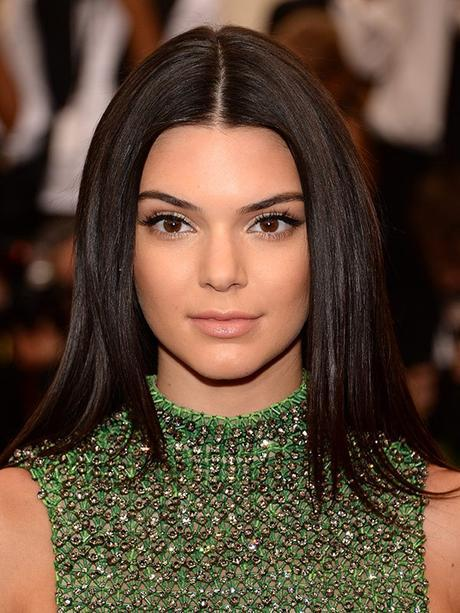 Kendall Jenner maquillada con productos Estée Lauder