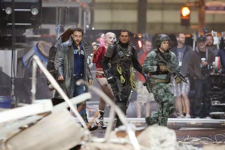 Primera Imagen Oficial E Imágenes Del Set De Suicide Squad