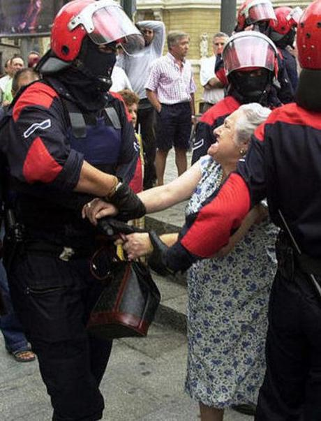 Autodeterminazioa Orain – Bai Nafarroa bai Euskal Herria – Euskal Herria Estado Policial