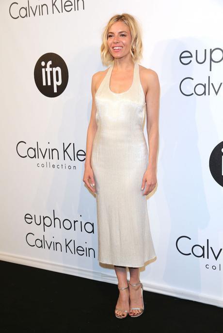 Sienna Miller fiesta Calvin Klein Cannes