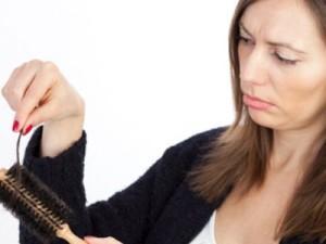 Si los cabellos caen después del parto