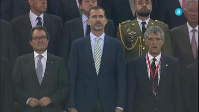 Monumental pitada en el Campo Nou impide oír el himno nacional.