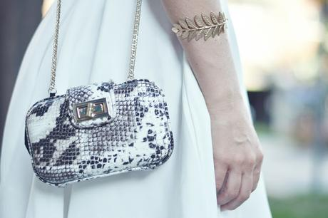 WHITE, GOLD AND SNAKE PRINT