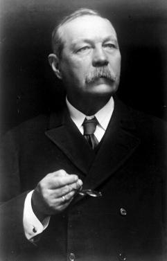 FILES: Sir Arthur Conan Doyle, author (1859-1930), famous for creating the fictional detective Sherlock Holmes. Picture taken in 1921. LEHTIKUVA / PA  /