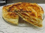 Empanada hojaldre pisto atún huevo.