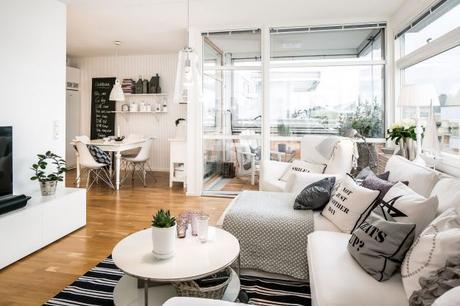 Un atico de Ikea, estilo nórdico y muchas estrellas para decorar!
