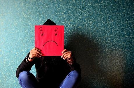 La atención selectiva hacia caras enojadas podría predecir depresión futura