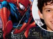 Holland será nuevo Spider-Man Watts director