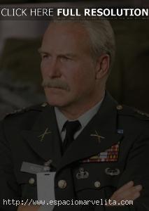 William Hurt como General Ross