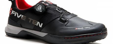 Five Ten Kestrel, unas particulares zapatillas All Mountain que se destaca con su estilo minimalista y sin el uso de correas