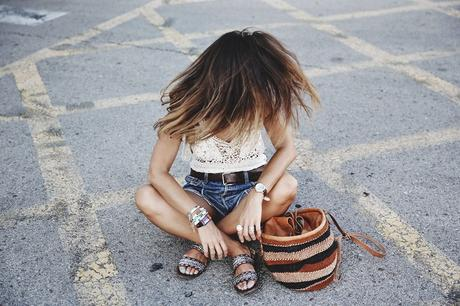 Mulafest-Lace_Top-Levis_Vintage-Maje_Sandals-Urban_Outfitters_Bag-Outfiit-Summer-20