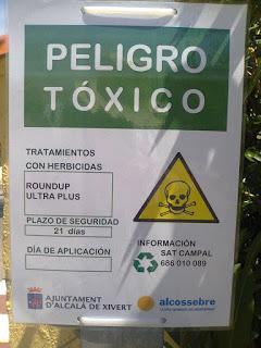 Necesito un traductor de carteles de peligros tóxicos