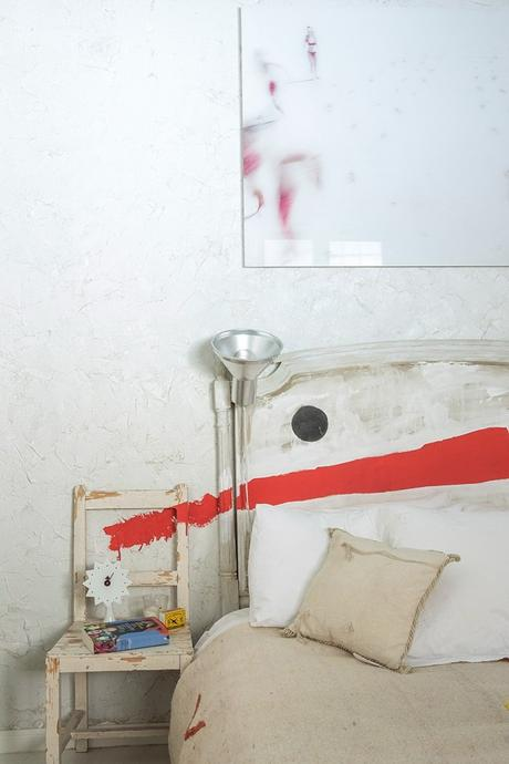 Red paint bed