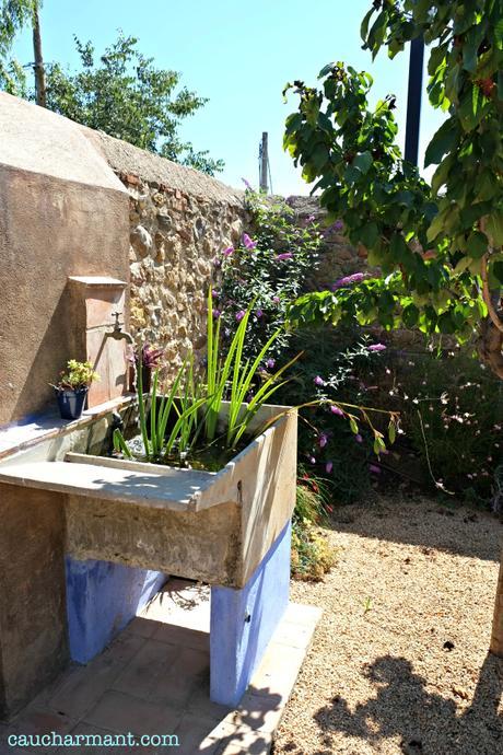 Extractor De Baño Hace Mucho Ruido:que llega desde la antigua pila de lavar, que hace funciones de