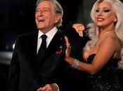 Tony Bennet Lady Gaga suben escenario