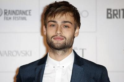 Douglas John Booth, es un actor y modelo inglés mejor conocido por haber interpretado a Boy George en la película Worried About the Boy, ... - el-guaperas-douglas-booth-cumple-23-anos-L-lSO4l_