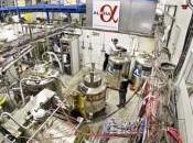 producen atrapan átomos antimateria CERN