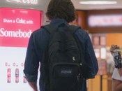 Coca-Cola recompensa generosos través nueva vending