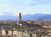 Recorrer Florencia, ciudad cuna Renacimiento, día.