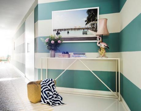 Stripes wall decoration
