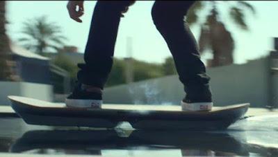 Montar una 'patineta voladora' como la de 'Volver al futuro' ahora es posible