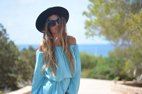 BEACHY LOOKS: BLUE DRESS