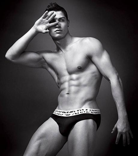 Cristiano-Ronaldo-the-best-mens-underwear campaigns-athletes