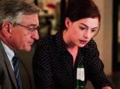 Segundo tráiler castellano para Becario', Anne Hathaway Robert Niro