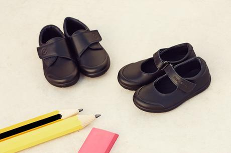 Zapatos de piel lavable y con luz de Conguitos