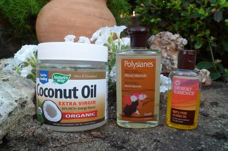 El aceite para los cabellos bringaradzh sobre el aceite de coco