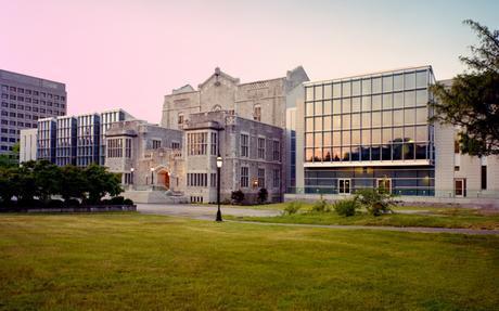 Centro de aprendizaje y biblioteca Irving K. Barber