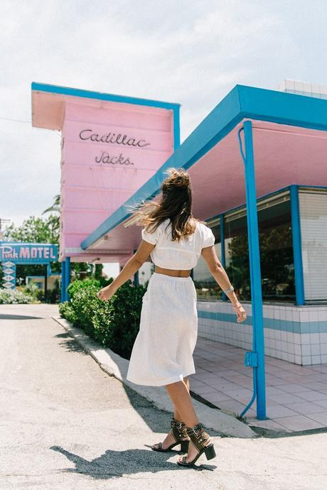 Cadilla_Jacks-Pink_Motel-Los_Angeles-Outfit-Reformation-White_Cropped_Top-Midi_Skirt-Isabel_Marant-Sandals-Collage_On_The_Road-Outfit-Street_Style-20