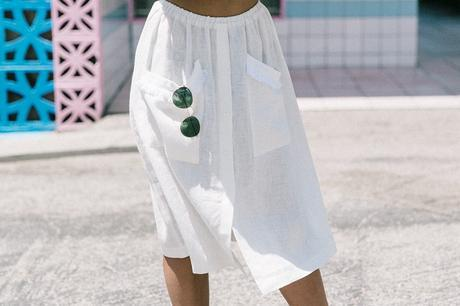 Cadilla_Jacks-Pink_Motel-Los_Angeles-Outfit-Reformation-White_Cropped_Top-Midi_Skirt-Isabel_Marant-Sandals-Collage_On_The_Road-Outfit-Street_Style-70