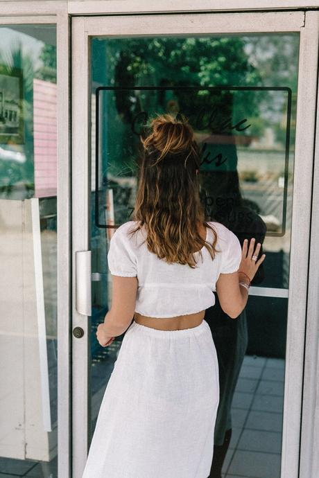 Cadilla_Jacks-Pink_Motel-Los_Angeles-Outfit-Reformation-White_Cropped_Top-Midi_Skirt-Isabel_Marant-Sandals-Collage_On_The_Road-Outfit-Street_Style-11