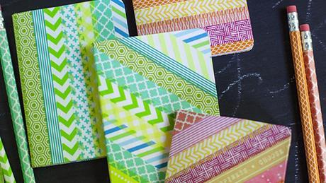 4 ideas para decorar libros y materiales escolares con - Como decorar cuadernos ...