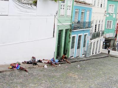 Indigentes en Salvador de Bahía, Brasil, La vuelta al mundo de Asun y Ricardo, round the world, mundoporlibre.com