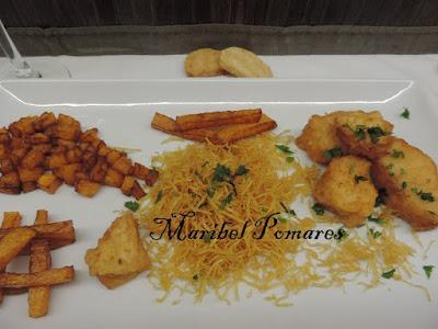 bacalao rebozado con calabaza frita y patatas paja