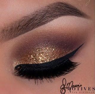 821daacf051 Maquillaje de noche con glitter dorado paso a paso - Paperblog