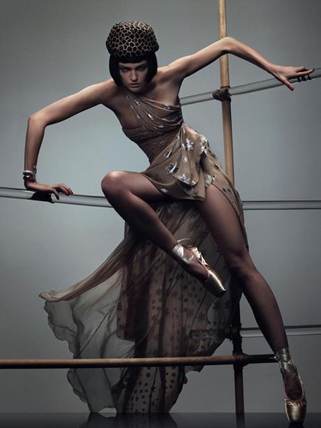 ¿Todos podemos ponernos el zapato de cristal de Cenicienta?. Una de modelos y puntas de ballet.