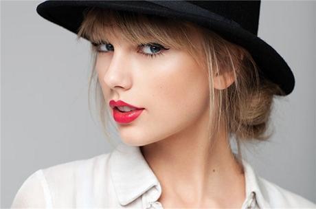 Taylor Swift - 20 Rostros del maquillaje