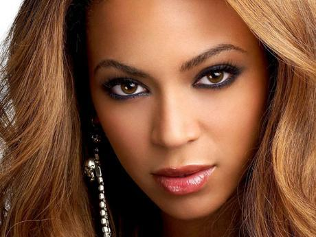 Beyonce - 20 Rostros del maquillaje