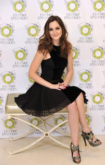 Helena A. Knightley Celebrities-leighton-meester-madrid-L-8OE921