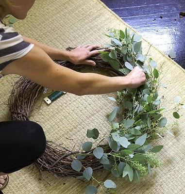 Una corona de navidad vegetal paperblog for Coronas de navidad hechas a mano