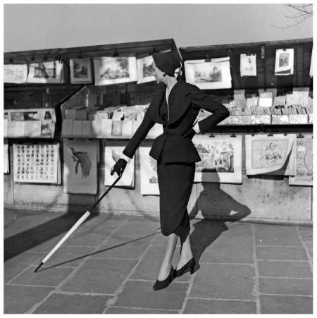 christian-dior_town-suit_photo-by-willy-maywald_paris-1950