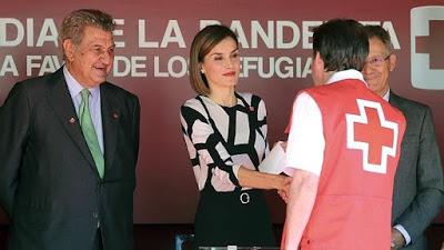 Doña Letizia, maternal el Día de la Banderita
