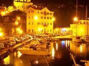 Muggia antigua pueblo pescadores costa véneta, donde mezcla moderno actual.