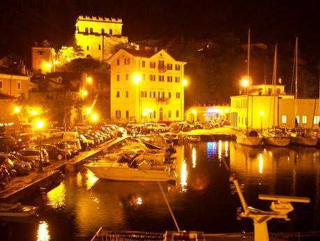 Muggia antigua pueblo de pescadores en la costa véneta, donde se mezcla lo moderno con lo actual.