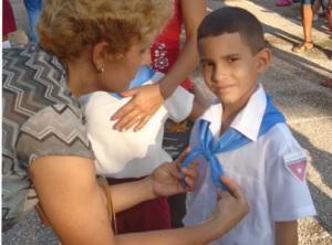Eduardito, mi niño, se inicia como pionero.