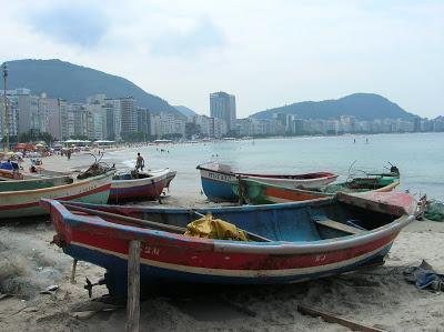 Barcas en Playa de Copacabana, Río, Brasil, La vuelta al mundo de Asun y Ricardo, round the world, mundoporlibre.com